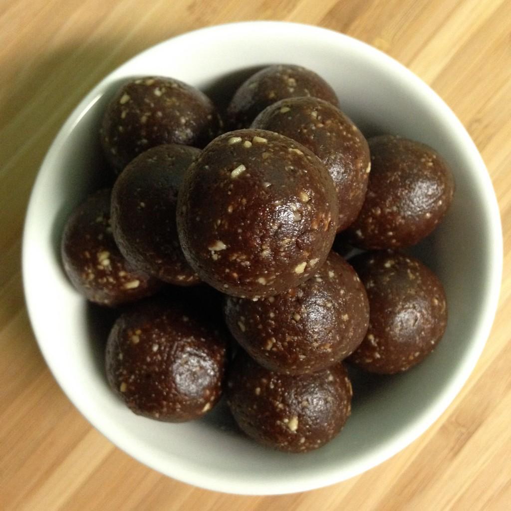 Vegan Peanut Cacao Bliss Balls